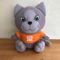 ตุ๊กตาแมวสุรนารีเกมส์ ครั้งที่ 32 (ด้านหน้า)