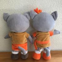 ตุ๊กตาแมวสุรนารีเกมส์ ครั้งที่ 44 (ด้านหลัง)
