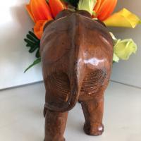 ช้างไม้จำลอง (ด้านหลัง)