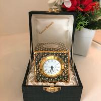 นาฬิกา (ด้านหน้า)